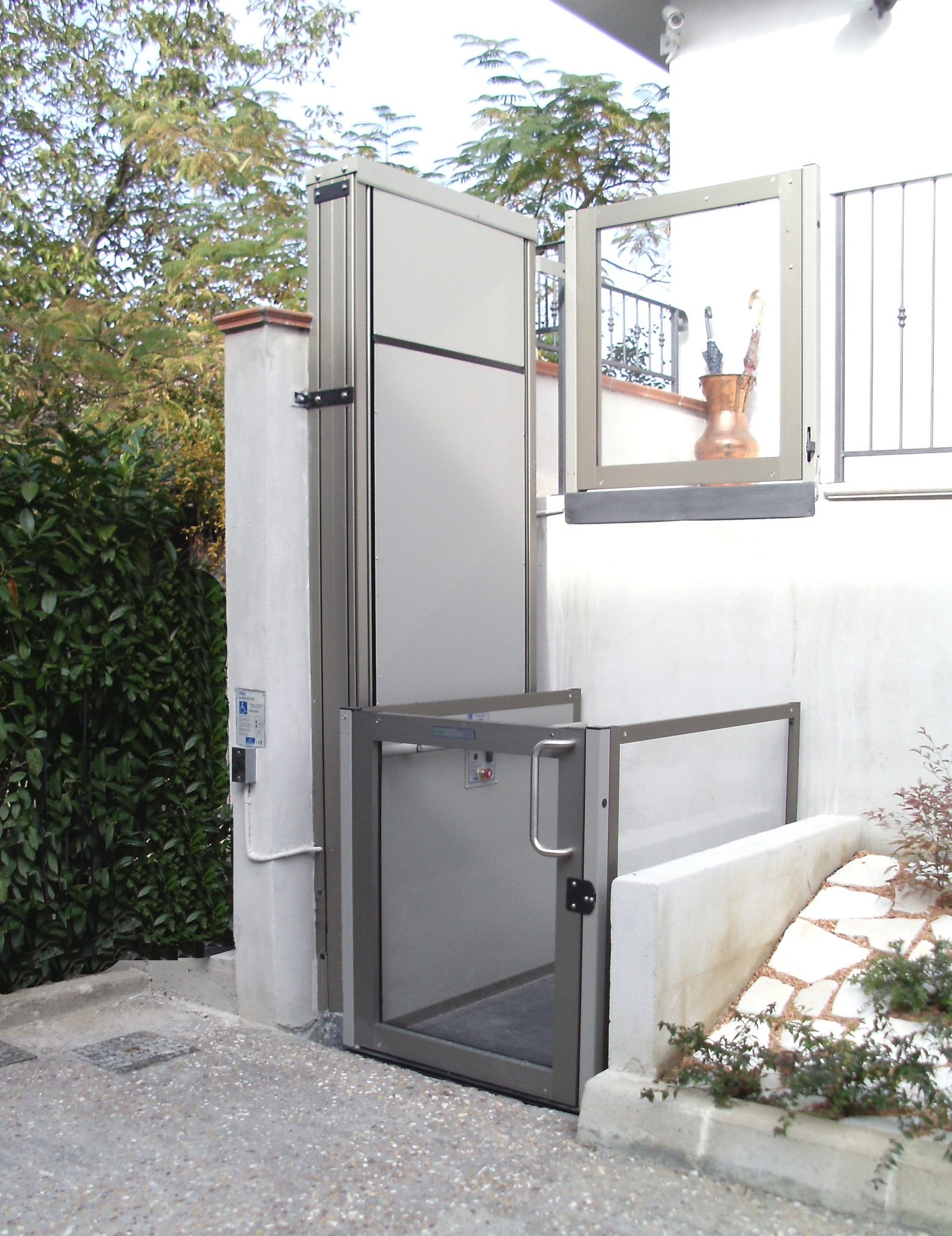 Vertical Unenclosed Platform Lift By Express Lifts