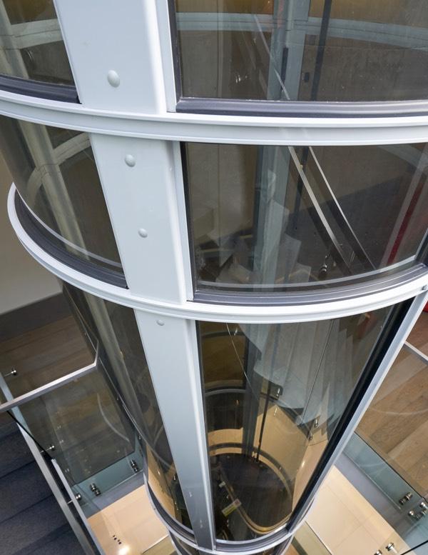 Pneumatic vacuum elevator PVE37