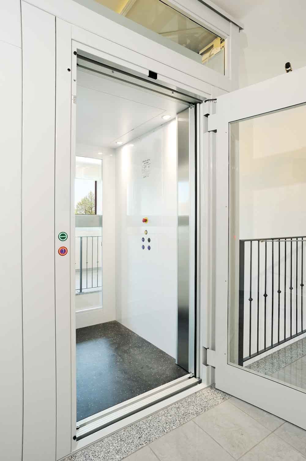 Cabin Lift With Automatic Sliding Doors By Xpress Lifts