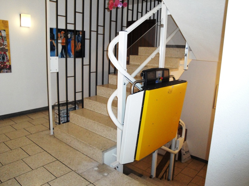 Inclined Curved Platform Wheelchair Lifts Ni For Disabled