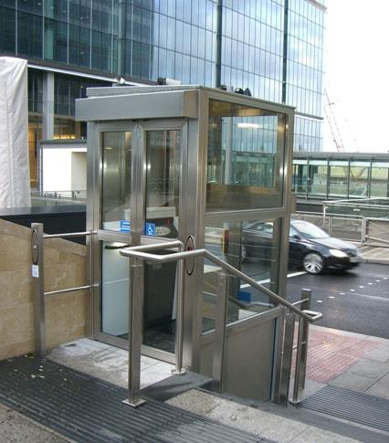 Vertical Enclosed Platform Wheelchair Lift